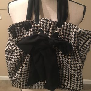 Plaid black and white shoulder handbag